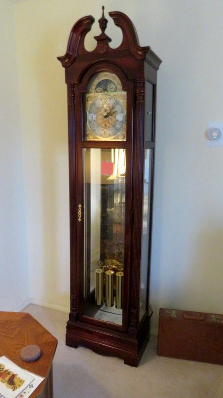 Howard Miller Floor Clock 84 X20 X12 This Clock Is In New Condition Keys And Booklet Included Clock Antique Wall Clock Auction