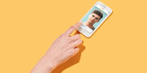 How to Use Bumble, the Dating App That Forces Women to