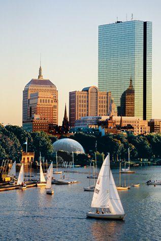 Boston, Massachusetts ist eine traditionsreiche Bildungsstätte. Hier gehts zur passenden Rundreisemöglichkeit: http://www.usa-mietwagen.tips/reiserouten/2-wochen-new-england-tour-den-indian-summer-erleben/