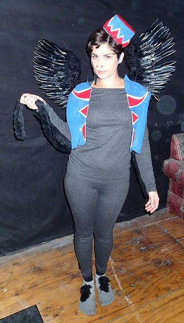 I did it! My winged monkey costume, Halloween 2012. (I accidentally left my gloves at home, though.)