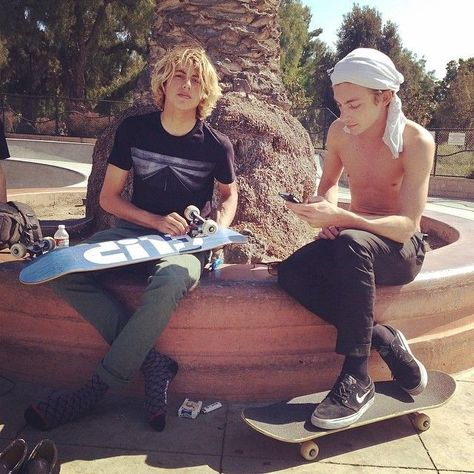 Pin by Anni Colombo on Boys | Surfer guys, Skateboard girl