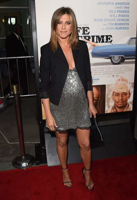 Jennifer Aniston & Heavily Bearded Will Forte Attend 'Life of Crime' Premiere!: Photo Jennifer Aniston hits the red carpet at the premiere of her new movie Life of Crime on Wednesday evening (August at the ArcLight Cinemas in Hollywood.