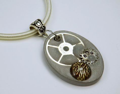 Halskette Tiger Steampunk Betonschmuck am hellem von ArtJewelryFun