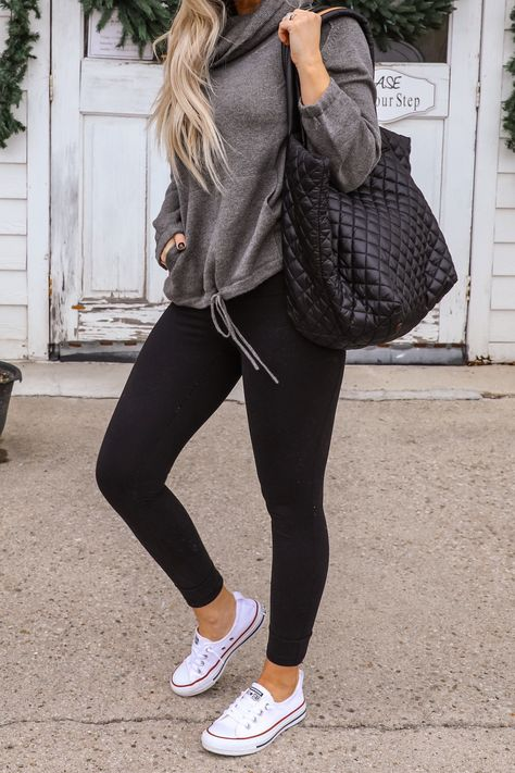 Black Leggings Outfits Trends - legging - Source by carolinekatharina outfit winter Legging Outfits, Cute Outfits With Leggings, Black Leggings Outfit, Athleisure Outfits, Outfit Jeans, Sporty Outfits, Casual Winter Outfits, Mom Outfits, Fall Outfits