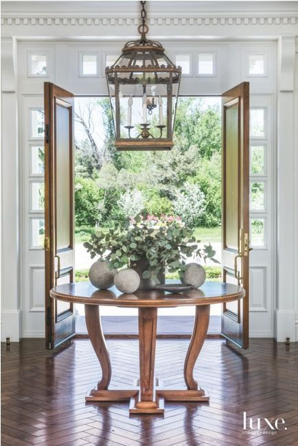 Suzanne Kasler Round Foyer Table Round Table Decor Foyer Decorating