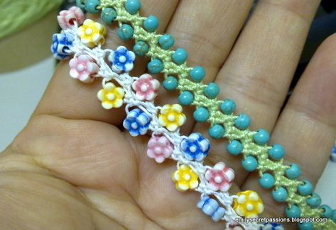 Beaded Turkish love knot crochet at Emily's Secret Passion blog.  2504201311408.jpg (800×550)