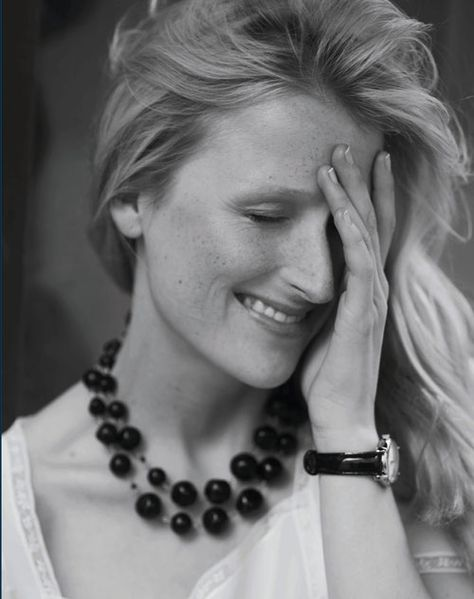 Mamie Gummer - sure looks like her mom (Meryl Streep, my favorite actress). Both so lovely and talented!