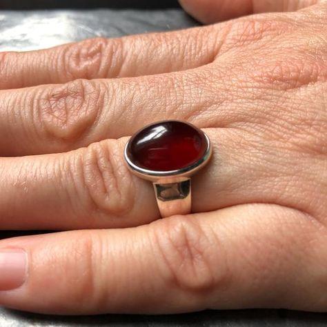 Oval garnet ring / garnet ring