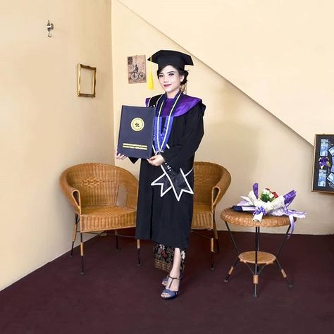 proud of me sarinahbridal graduation graduate wisuda