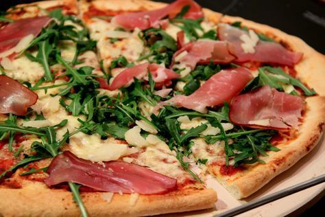 Najlepsze Ciasto Na Pizze Cienkie I Chrupiace Lady Housewife Food Cooking Recipes Recipes