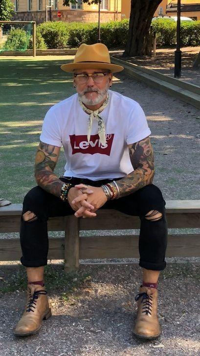 Fedora fashion Fedora fashion Pin: 1242 x 2208 Fedora Fashion, Old Man Fashion, Bohemian Mens Fashion, Men's Fashion, Bohemian Style Men, Fashion Styles, Older Mens Fashion, Fashion Guide, School Fashion