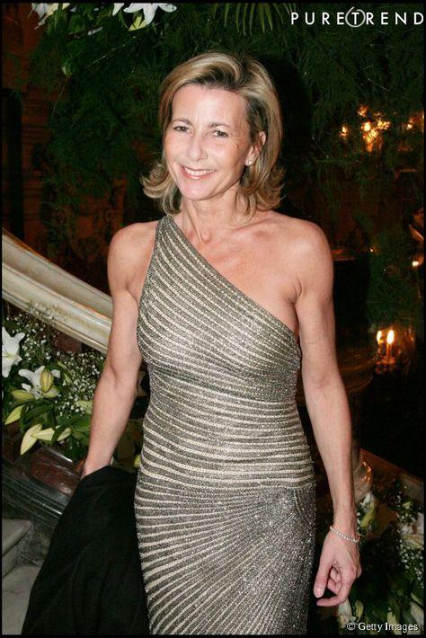 Claire Chazal : 58 ans, la journaliste la plus sexy de TF1 en 10 photos A l'antenne de TF1 depuis vingt-trois ans, Claire Chazal fête aujourd'hui son cinquante-huitième anniversaire. Et pour lui rendre hommage, Puretrend a déniché les clichés les plus sexy de la journaliste phare de la première chaîne.