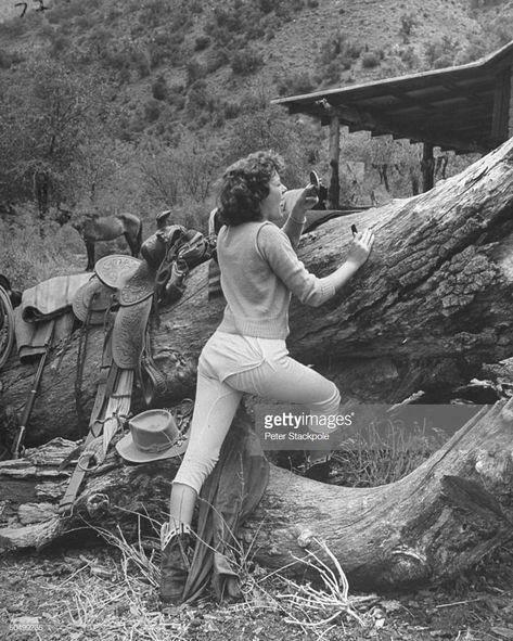 News Photo : Actress Barbara Hale, putting on make-up during...