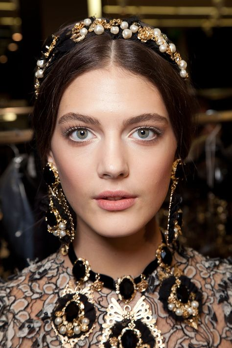 Katryn Kruger at Dolce & Gabbana FW 12 natural makeup