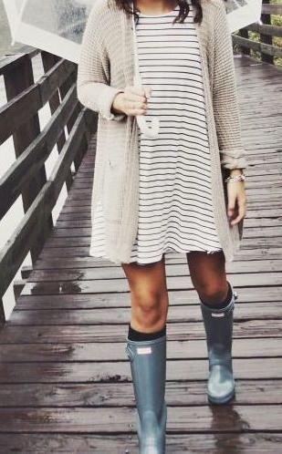 striped dress. cardigan. wellington rain boots. #Hunter