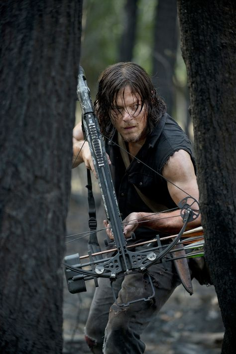 """rhubarbes: """"Norman Reedus as Daryl Dixon in The Walking Dead """" More on RHB_R. -You can find Daryl dixo. Walking Dead Zombies, The Walking Dead Saison, Daryl Dixon Walking Dead, Walking Dead Season 6, Walking Dead Tv Series, Fear The Walking Dead, Daryl Twd, Walking Dead Tattoo, Amc Twd"""