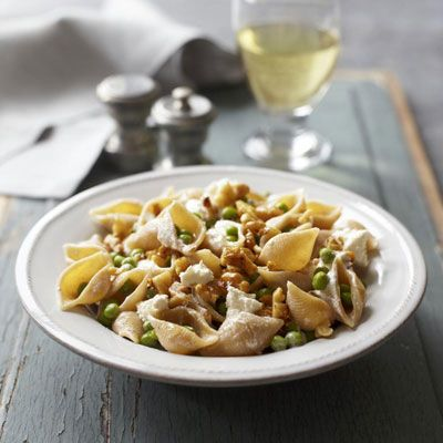 A substantial vegetarian dish, this pasta showcases the winning combination of goat cheese and walnuts, which provide protein and healthy omega-3s.