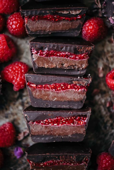 Just Desserts, Delicious Desserts, Dessert Recipes, Yummy Food, Cake Recipes, Tasty, Chocolate Cups, Chocolate Recipes, Raspberry Chocolate