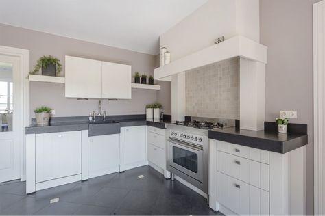 Moderne decoratie vocht vs houten keuken. affordable gietvloer