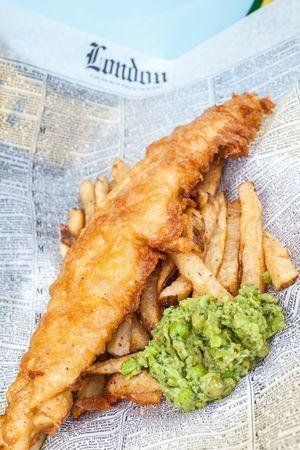 Nosh - amaze fish and chips, baguette sandwiches, chowder