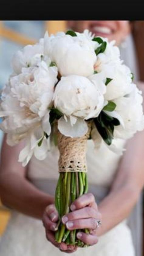 White ponies wedding bouquet