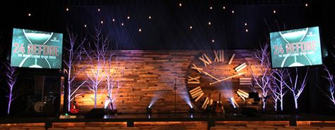 Collanews Aggregator VJ » Church Stage Design Ideas » Pallet Clock