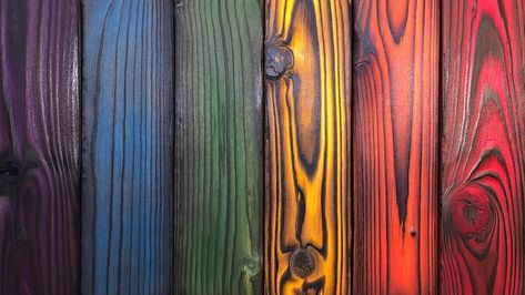 Dyeing Shou Sugi Ban Wood - How to Dye Wood with Keda Wood Dye stain How to Dye Shou Sugi Ban Wood Woodworking Projects Diy, Diy Wood Projects, Wood Crafts, Furniture Makeover, Diy Furniture, Wood Burning Techniques, Diy Wood Stain, Charred Wood, Bois Diy