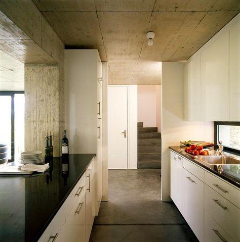Schmale Küche Küchenlösungen schmaler Raum Pinterest Schmale - durchreiche kuche wohnzimmer modern