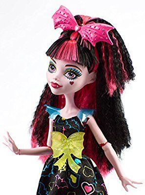 0d8840a8f3d Amazon.com: Monster High Electrified Hair-Raising Ghouls Draculaura Doll:  Toys & Games