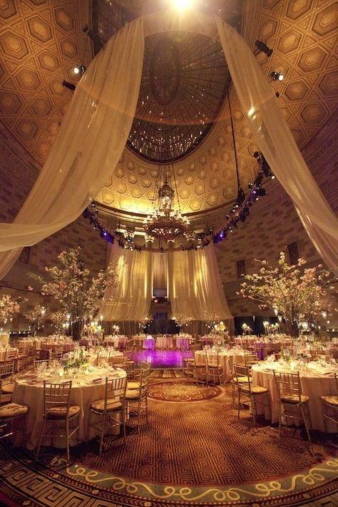 Gorgeous gold reception theme!