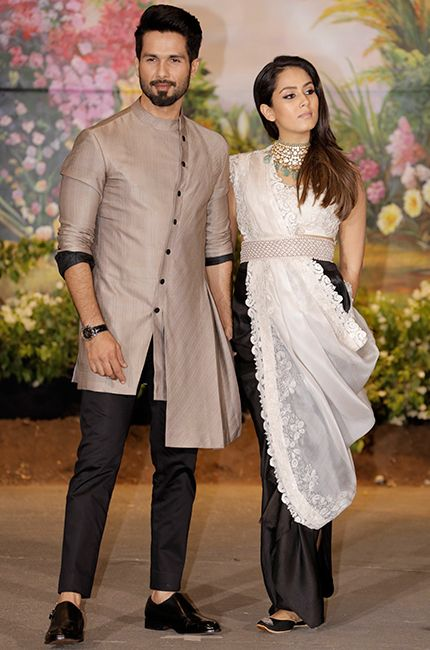 Shahid Kapoor And Mira Rajput At Sonam Kapoor S Wedding Reception In Mumbai Mirarajput Shahidka Wedding Dresses Men Indian Wedding Dress Men Groom Dress Men