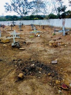 Feitico Com Terra De Cemiterio Para Mandar Vizinho Embora Como Destruir Uma Pessoa Feiticos Para O Amor Oracao Para Trabalho