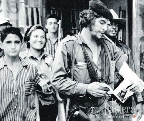 Top quotes by Che Guevara-https://s-media-cache-ak0.pinimg.com/474x/2e/b8/41/2eb841cbf1a1f235c0ff147186c07656.jpg