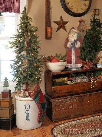 Secure a medium-size tree in a crock with sand or pea gravel, then camouflage the filler with a few small presents. Christmas Tree Base, Unique Christmas Trees, Prim Christmas, Antique Christmas, Winter Christmas, Christmas Time, Christmas Ideas, Xmas Trees, Christmas Scenes