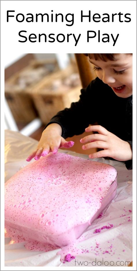 Make these fizzy foaming hearts with your little ones for some Valentine's Day sensory fun!
