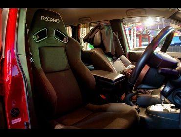 Recaro レカロシート Nissan エクストレイル T31にrecaro レカロ Sr 7f Sk100 Bk Bk 装着 エクストレイル T31 エクストレイル 装着