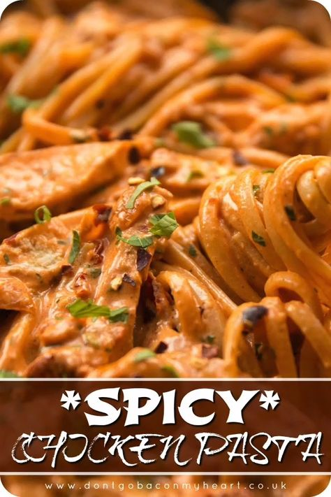 This Spicy Chicken Pasta is the perfect level of spice, whilst absolutely bursting with flavour. It's easy, creamy, hearty and delicious! #spicy #chicken #pasta #chickenpasta #spicypasta #spicychickenpasta | www.dontgobaconmyheart.co.uk