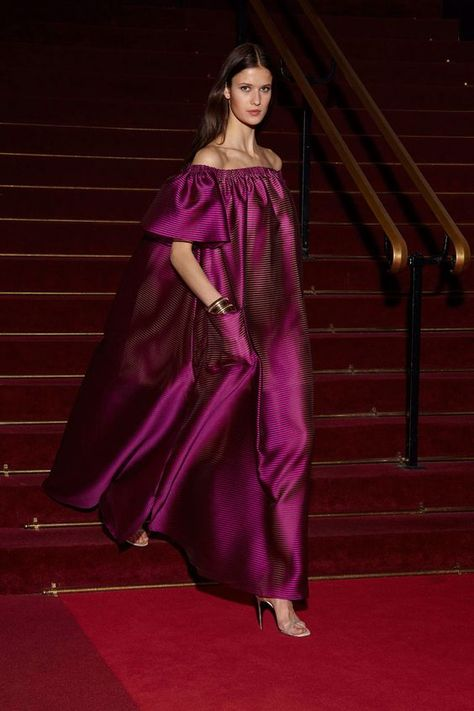 See the complete Alexis Mabille Resort 2018 collection.See all the Collection photos from Alexis Mabille Spring/Summer 2018 Resort now on British VogueStyle Trend: Pump Up The Volume (Style Pantry)Women S Fashion Dropshippers UsaJuly 13 2017 at from