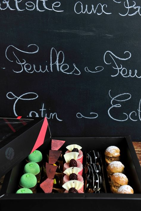 Take your box of mini delights to go! #Dessert #Fstaste #Foodie