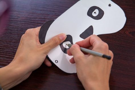 Photo of Basteln Sie Panda Kostüm für Kinder zum Halloween oder Fasching!