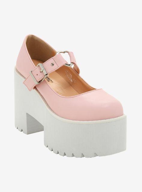 Why, hello there, Mary Jane // Pink Heart Buckle Platform Mary Jane Heels Kawaii Shoes, Kawaii Clothes, Kawaii Outfit, Kawaii Goth, Cute Shoes, Me Too Shoes, Black Suspenders, Outfit Look, Pants Outfit