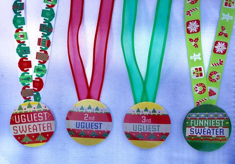 3 Ribbons /& Award Ribbons Pass the Ugly Sweater Card Game 1 Deck