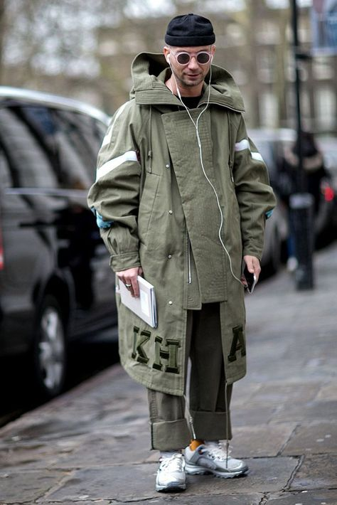 Street Style: London Collections Men Fall 2016 - theFashionSpot