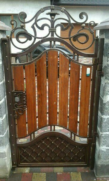 Great Craftsmanship With Images Iron Gate Design Wrought Iron