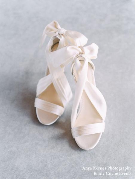 Criss Cross Ivory Silk and Bow Wedding