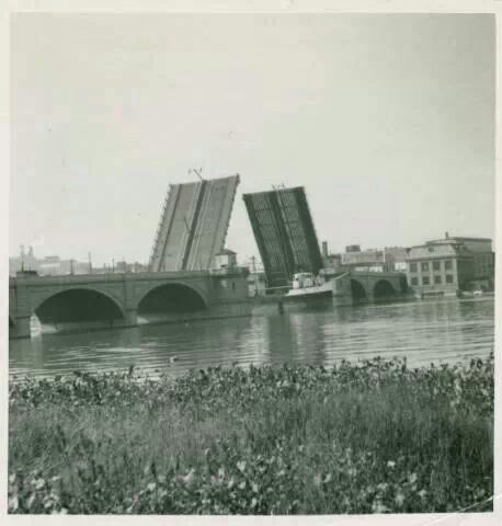 Cherry St. Bridge -- Remember waiting for the bridge to go down on the way to the East Side.