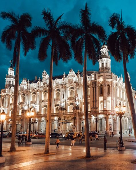 Guide to Havana Cuba. Where to stay, best places to eat & drink. The one party you don't want to miss out and best places to explore. Cuba Travel, Nightlife Travel, Beach Travel, Havana Beach, Havana Cuba Beaches, Cuba Honeymoon, Places Around The World, Around The Worlds, Places To Travel