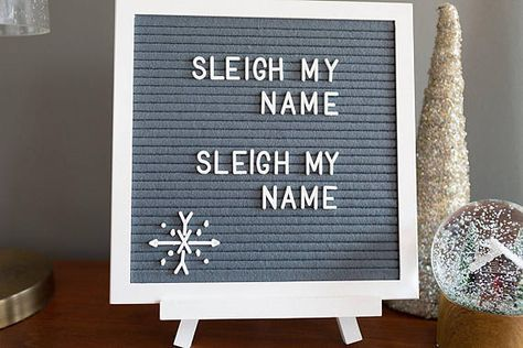 New Funny Christmas Letter Board Quotes 16 Ideas Felt Letter Board, Felt Letters, Wooden Letters, Felt Boards, Letterboard Signs, Word Board, Quote Board, Holiday Fun, Holiday Decor