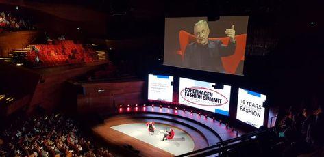 François-Henri Pinault will Mode- und Luxusakteure zusammenbringen  Am Copenhagen Fashion Summit kündigte der CEO von Kering im Hinblick auf den G7-Gipfel im Sommer an, vom französischen Präsidenten beauftragt worden zu sein, die Branchenakteure in Umweltfragen zusammenzubringen.