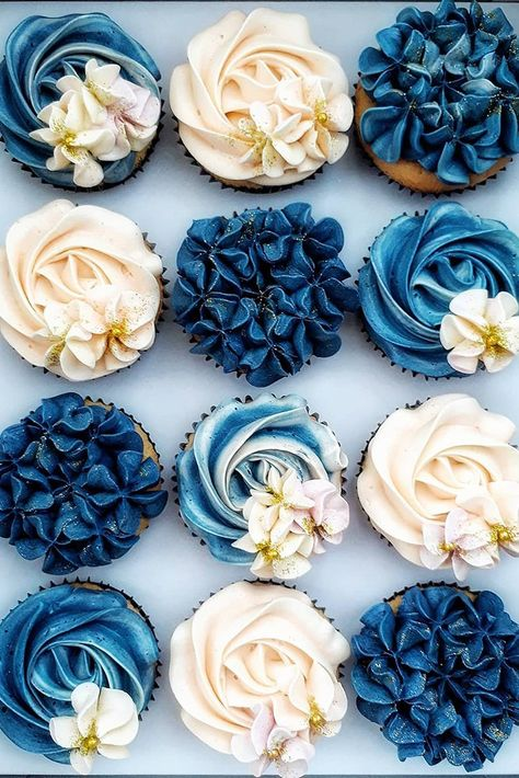 45 Totally Unique Wedding Cupcake Ideas Wanting some uniqueness to your wedding treats? We have a list of the unique wedding cupcake ideas! Read the post! Pretty Cakes, Cute Cakes, Beautiful Cakes, Amazing Cakes, Yummy Cakes, Beautiful Birthday Cakes, Cupcakes Flores, Flower Cupcakes, Blue Wedding Cupcakes